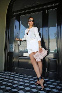 http://4.bp.blogspot.com/-fQD9MqwEfiw/UXVXfAM7YJI/AAAAAAAAIvw/KuPipLg94t4/s1600/valentino_bag_gucci_shoes_jbrand-7.jpg