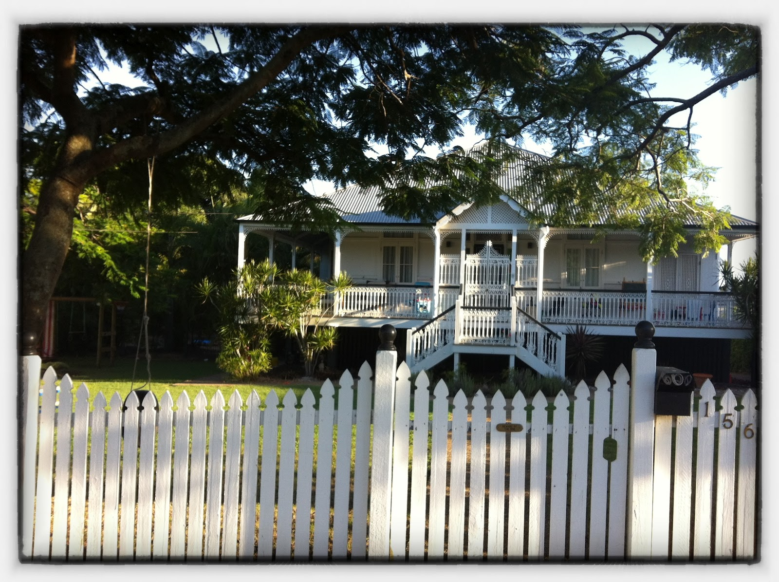 The white house the changing face of queensland houses for Classic queenslanders house plans