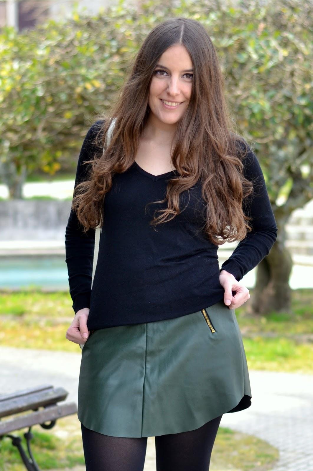 falda de polipiel verde de sheinside