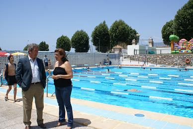 Motril digital la once organiza una jornada de for Piscina municipal motril