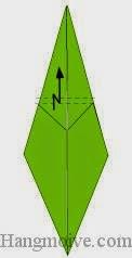 Bước 8: Gấp gấp khúc cạnh giấy.