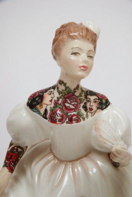 Jessica Harrison esculturas figuras porcelana mulheres tatuadas
