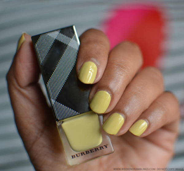 Burberry Nail Polish No 415 Pale Yellow- NOTD Swatches Photos