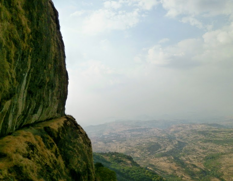 The white rock patch on the right hand side of the 70 feet rock patch on Alang that we had seen from the base village Ambewadi