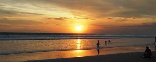 Objek Wisata pantai Seminyak Bali