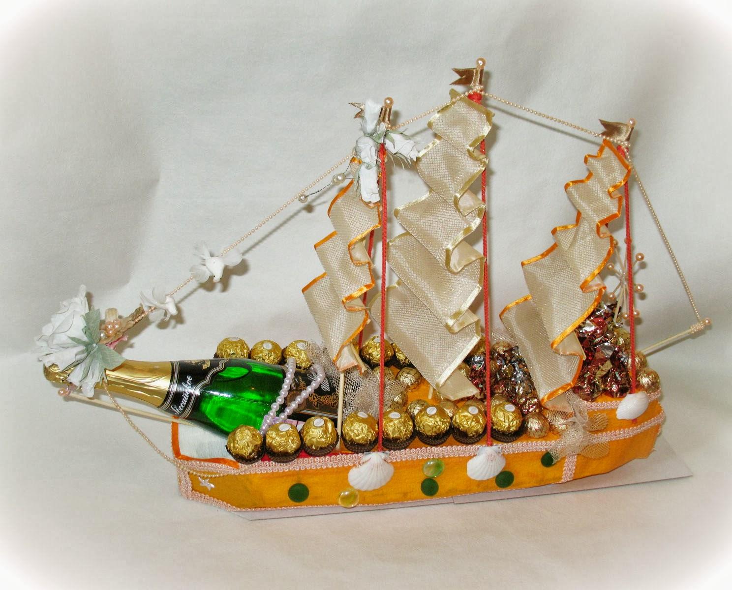 Как сделать корабль из бутылки и конфет своими руками