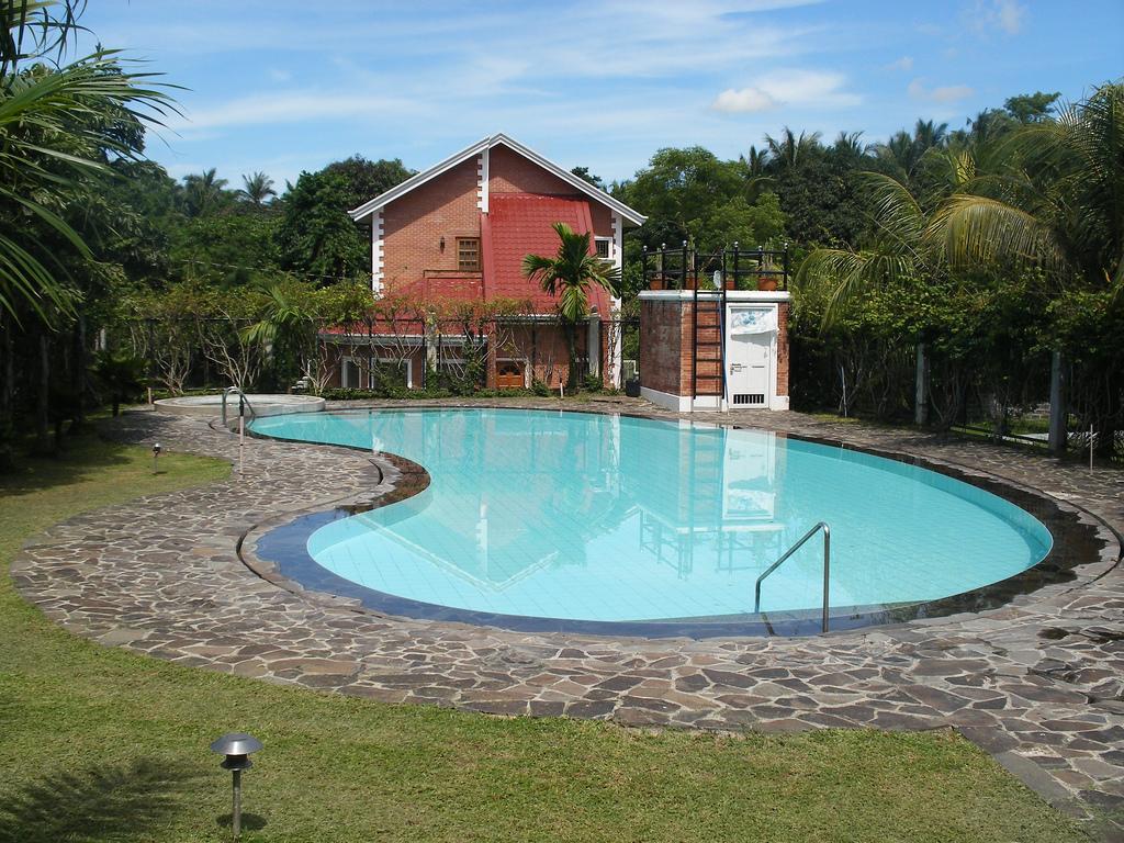 Artes marin belas piscinas for Materiales para construccion de piscinas