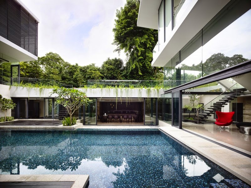 Singapore Contemporary House luxurious central pool