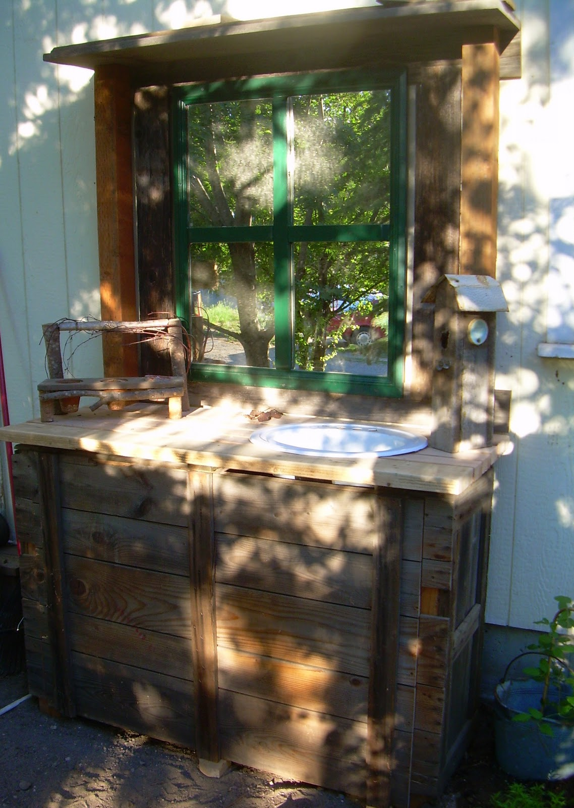 Little Yellow Cottage Repurposed Potting Bench