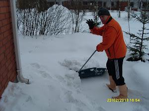 Talonmiespalvelu Tampere ympäri vuoden eri toimiin Tilaa sähköpostilla