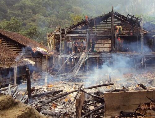 Cháy nhà Lang cuối cùng của người Mường
