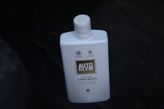 Cleaning Ford Puma leather steering wheel with AutoGlym
