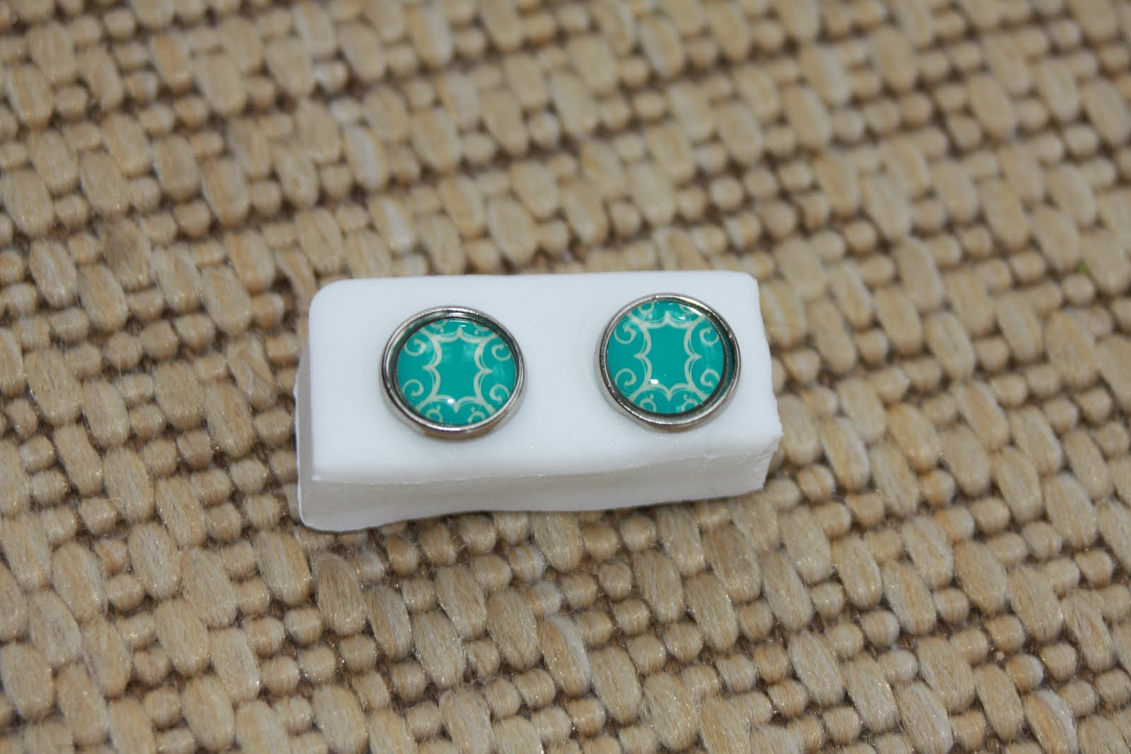 Silver rimmed turquoise and white frames