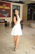 Isha Talwar Glamorous photos-thumbnail-8