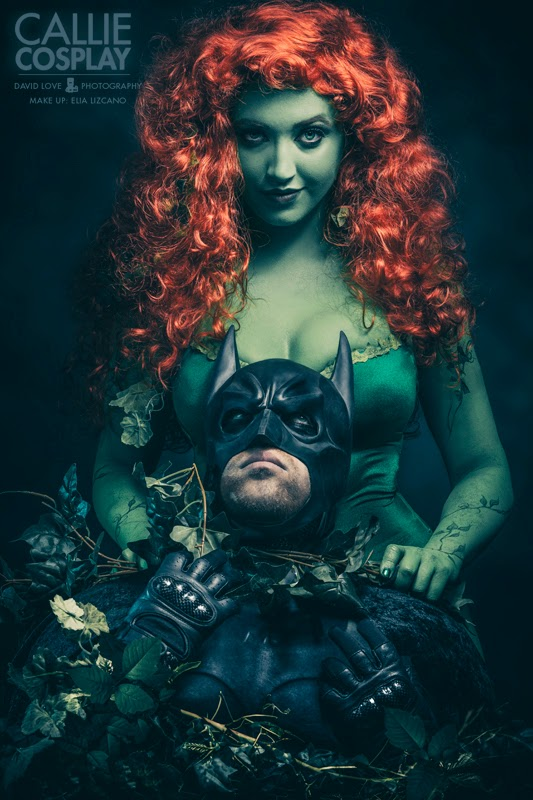 photo de Callie cosplay poison ivy etranglant batman