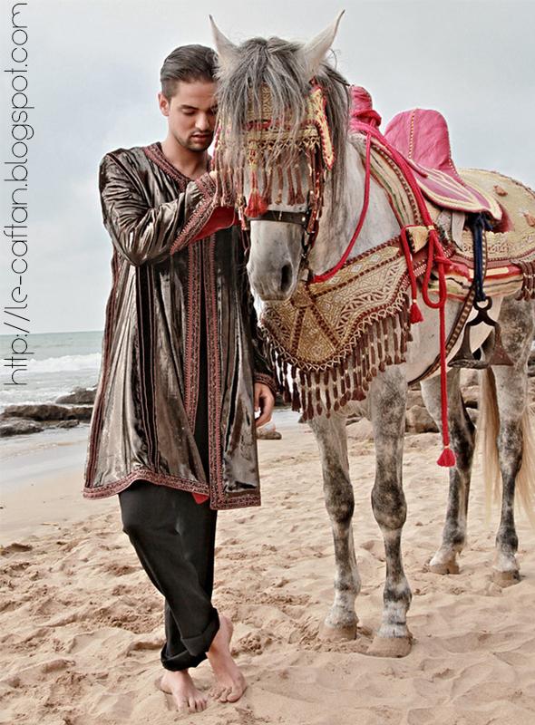 Découvrez chez le caftan une sélection multigenre des meilleurs Jabador Marocain de mode masculine.