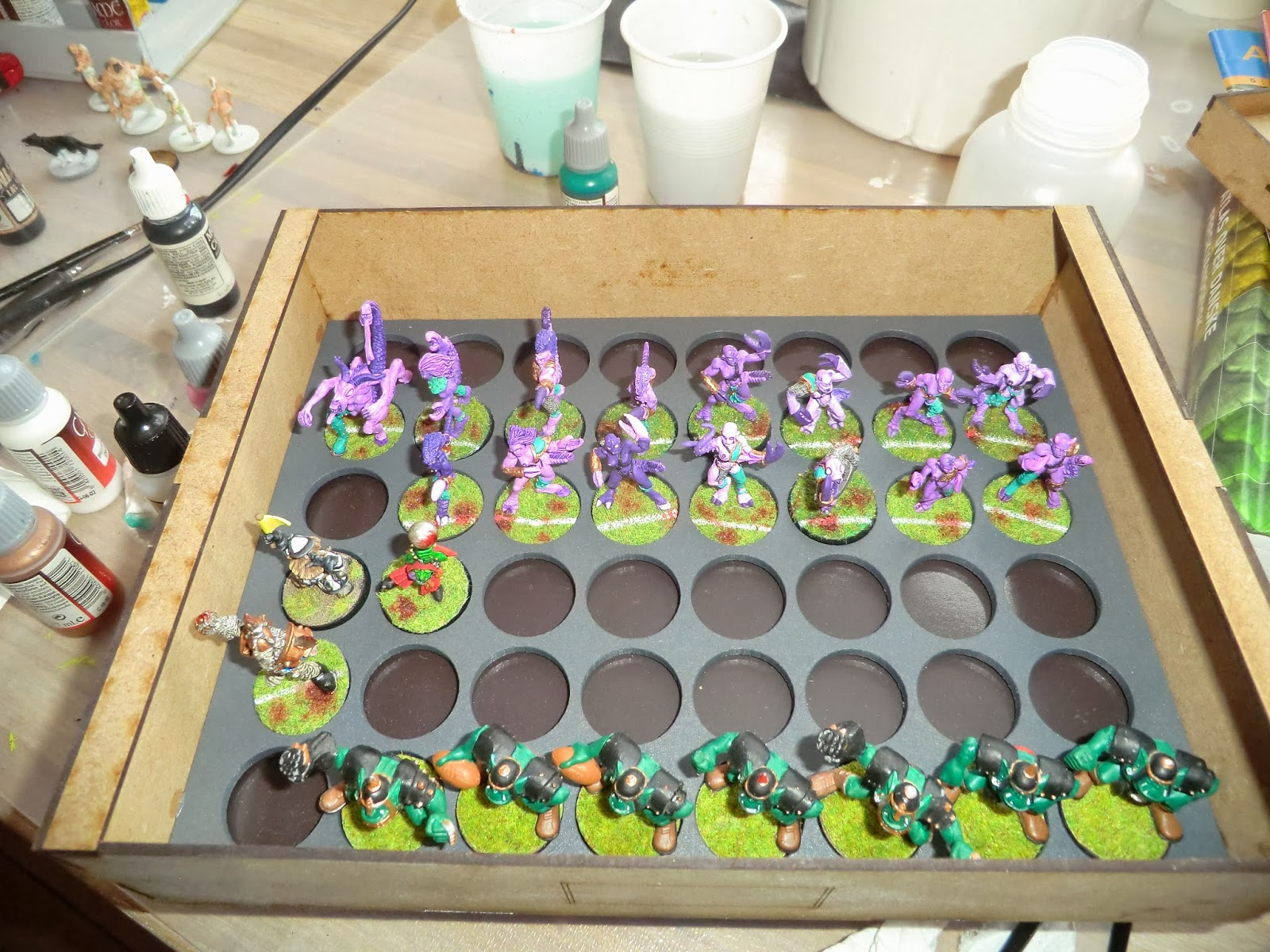 Slaanesh, Daemonette, demonette, fiend, unreleased, oop, Games, Workshop, blood, bowl, team, painted, base, Oldhammer, sally 4th, box