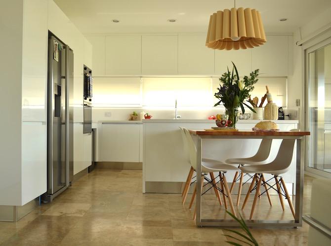 Una cocina super moderna dos casas - Cocinas super modernas ...