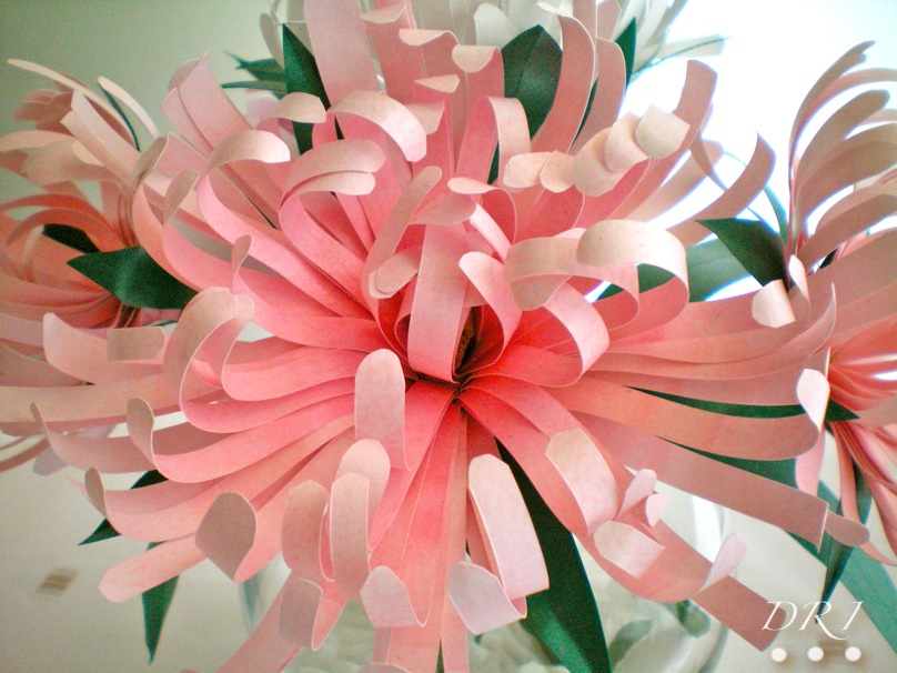 Decora recicla imagina flores de papel for Rosas de papel