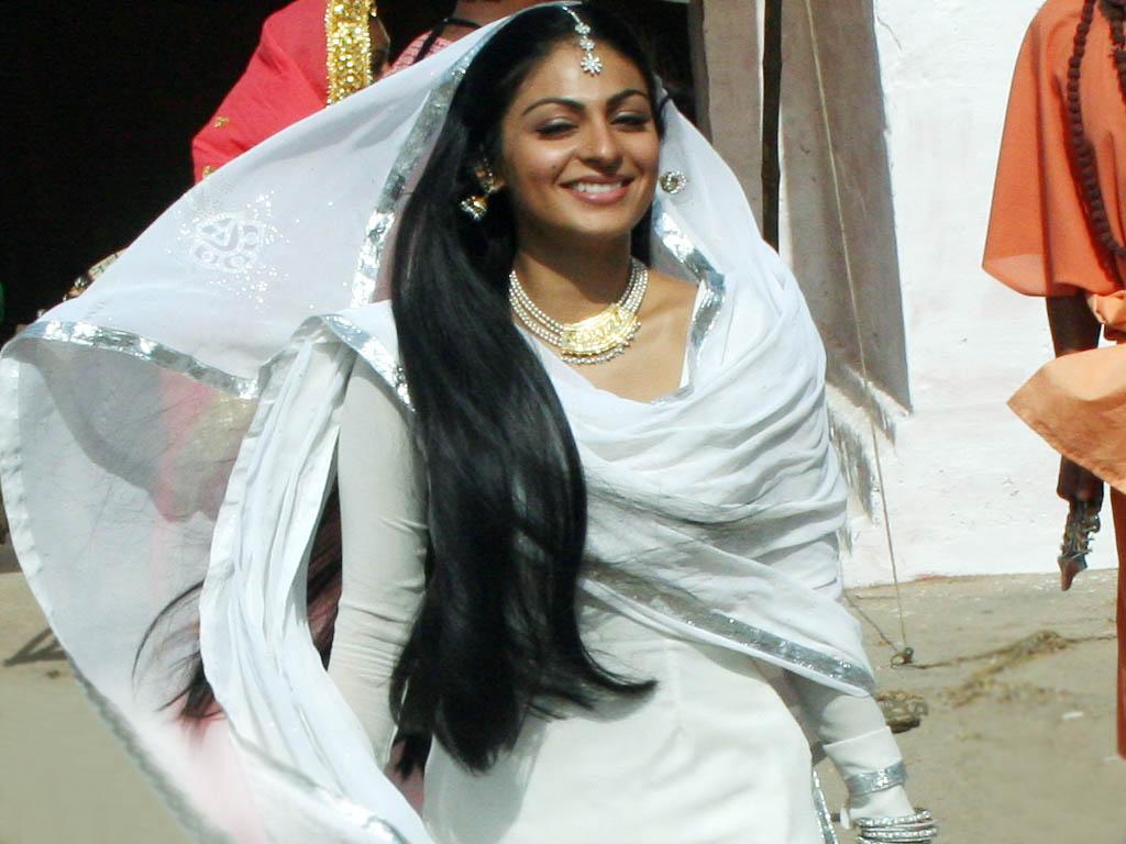 , Neeru Bajwa Hot Close Up Pics