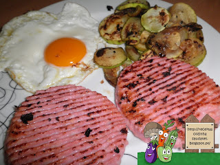 Hambúrguer Grelhado com Ovo Estrelado