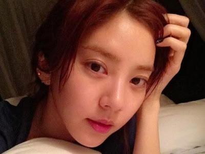 Artis Seksi Korea Sebarkan Foto 'Polos' Dirinya