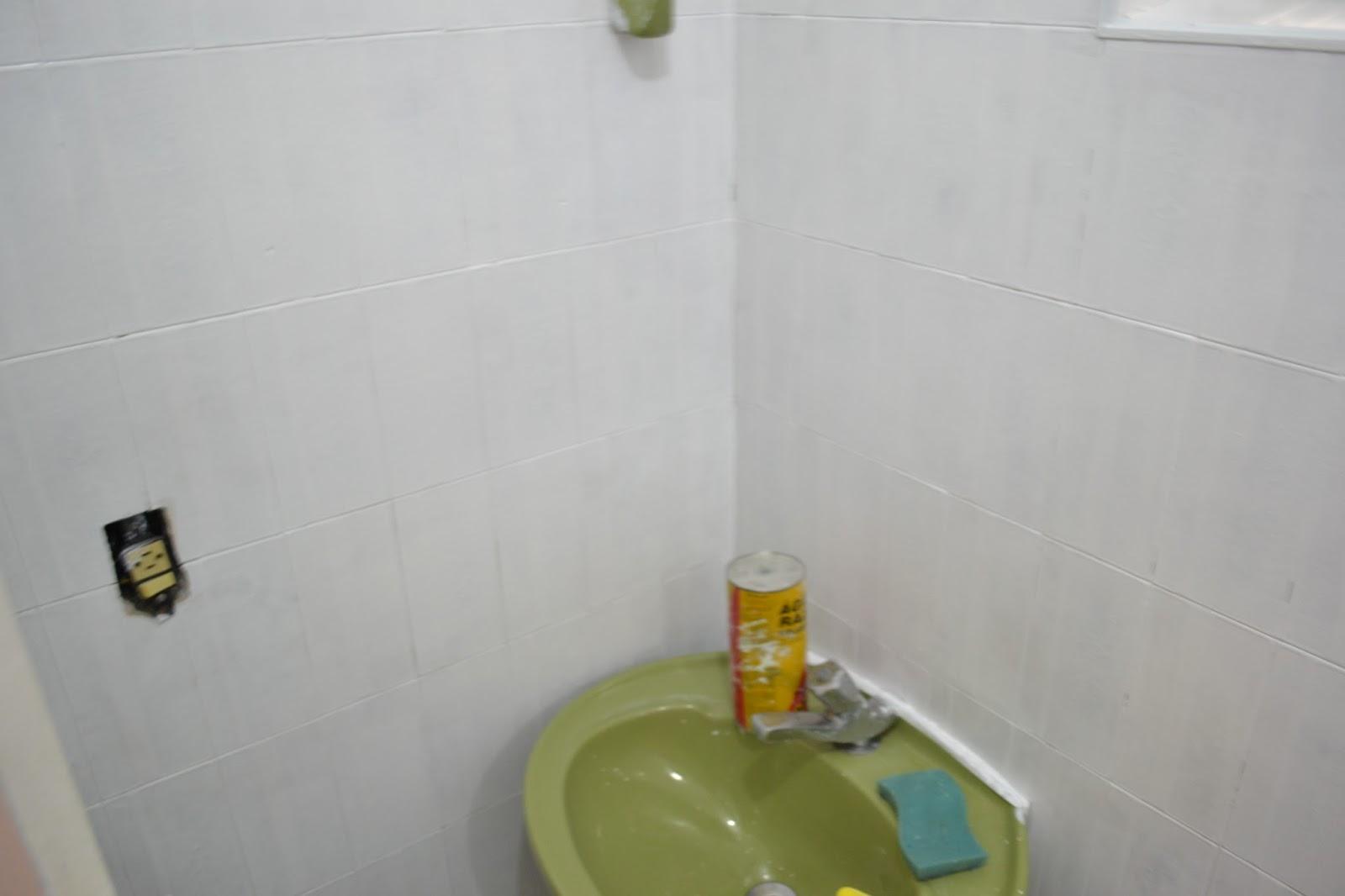se esta casa fosse minha!?: Era uma vez um banheiro verde  #75763A 1600x1066 Banheiro Com Pastilhas Verde Agua