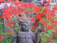 本年は、本尊・秘仏毘沙門天の体内仏に250年前が特別に公開されている。