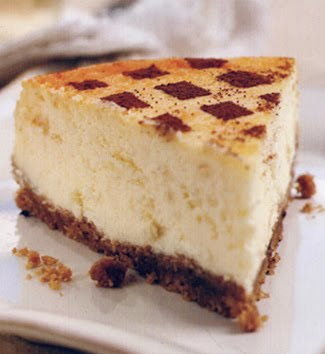 trozo de cheesecake de chocolate blanco