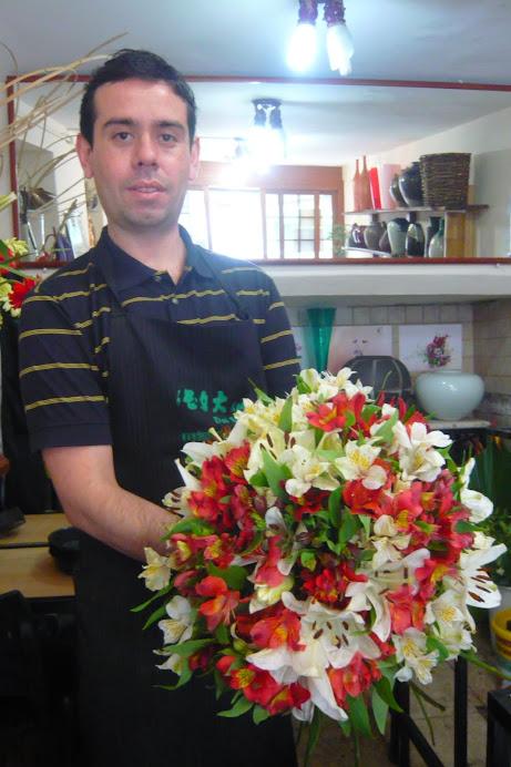 Curso de Arte Floral e Ikebana com Prof Marcio Soares.