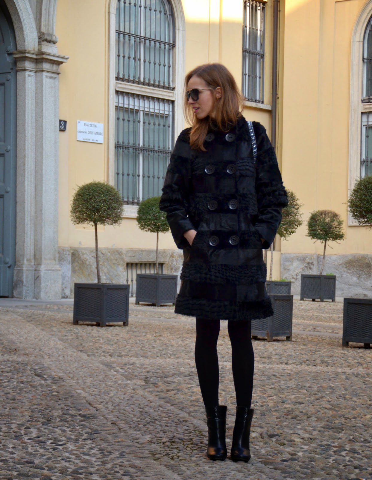 black-fur-coat-outfit-winter-chloe-boots-prada-sunglasses