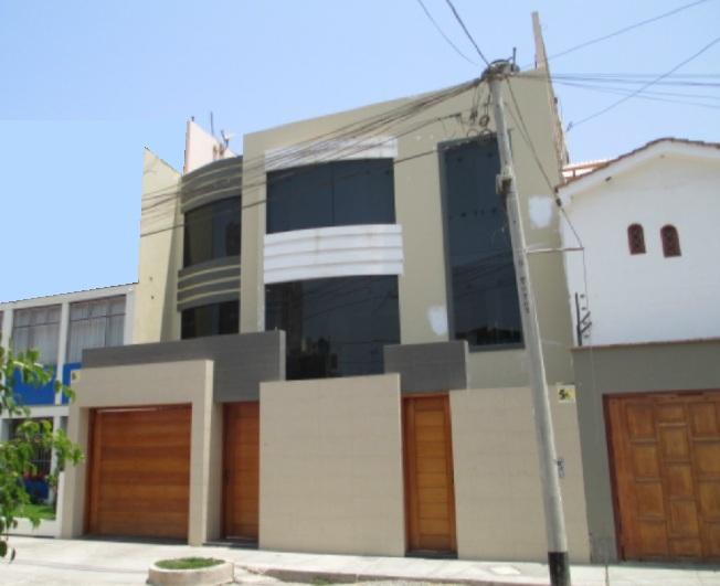 Fachadas y casas fachadas de casas de 3 pisos for Fachadas de casas modernas de tres pisos