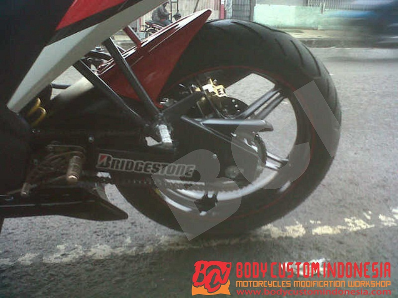 10. Cover rantai New Vixion Lightening title=