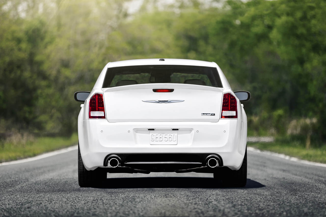 chrysler fiat news 2012 chrysler 300 srt8 465 hp. Cars Review. Best American Auto & Cars Review