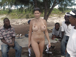 Nude Selfie - bigtits_naked_Italian_slut_wife_outdoor_ready_for_interracial_gangbang.jpg