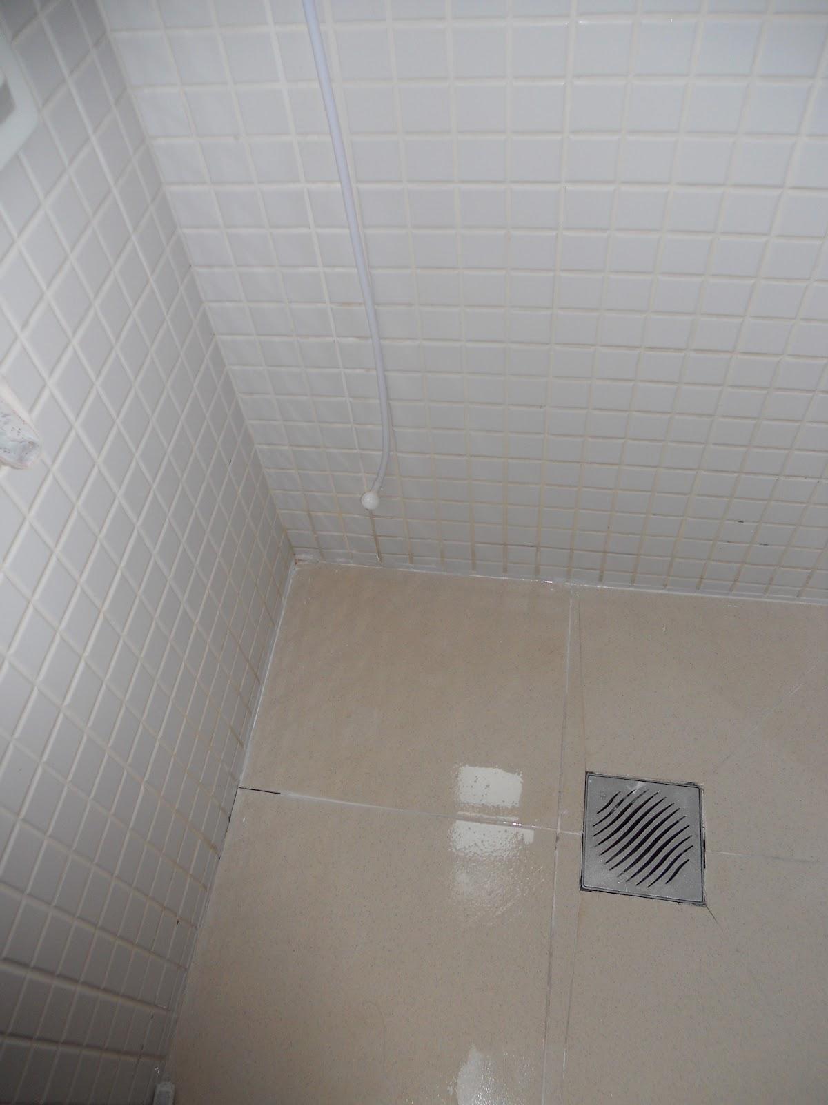 ViDecorando: Era uma vez um piso branco 60 minutos para executar! #615951 1200x1600 Banheiro Com Azulejo Branco E Rejunte Preto