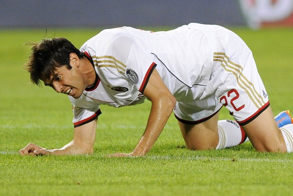Kaká was injured in first game for AC Milan since rejoining from Real Madrid