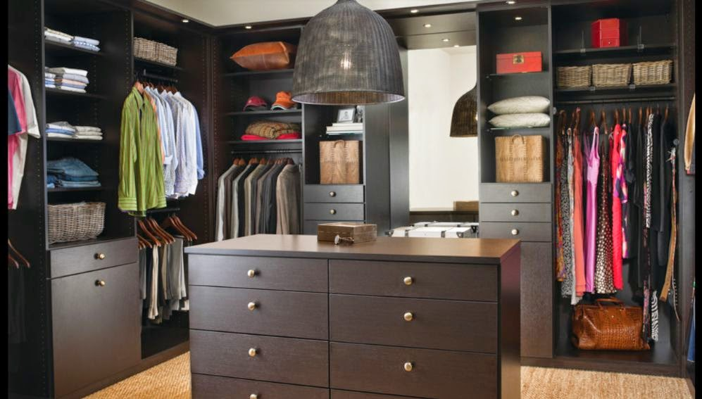 When Designing A Walk In Closet, Get A Good Idea Of The Minimum Width The  Closet Should Be, Which Is Essential In Dictating Just How Much Space Any  Bedroom ...
