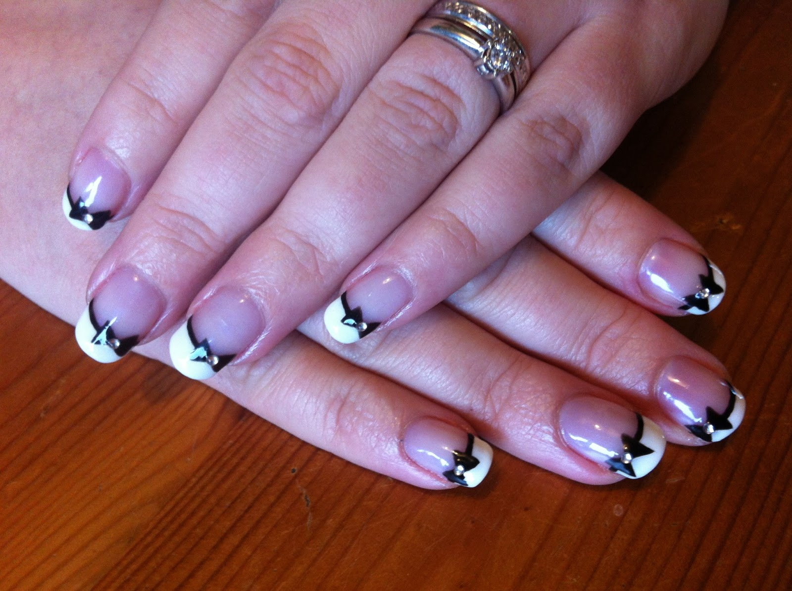 Brush up and Polish up!: CND Shellac Nail Art - French Manicure with