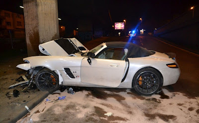 Mercedes Benz Sls Amg Roadster Destroyed In Bridge Crash