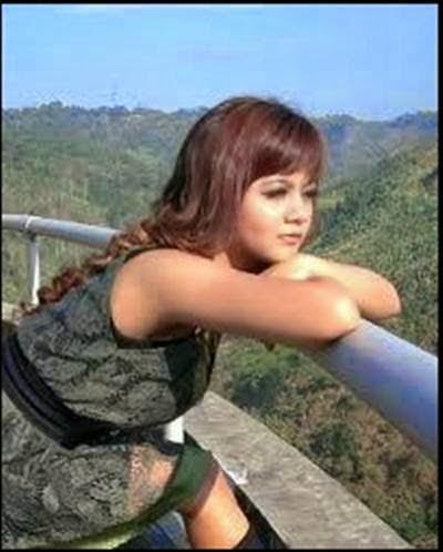 Foto Model  Rambut Jenita Janet Asli