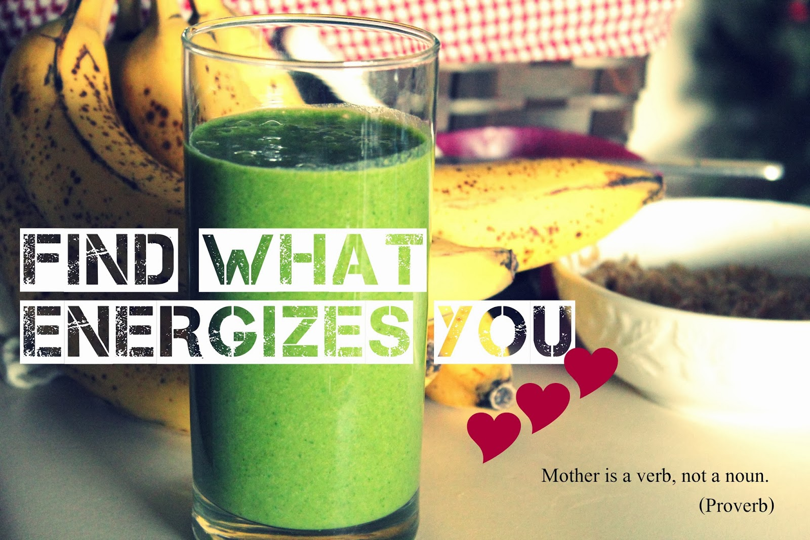 You will need bananas, kale, ice, and almond milk to make this smoothie.