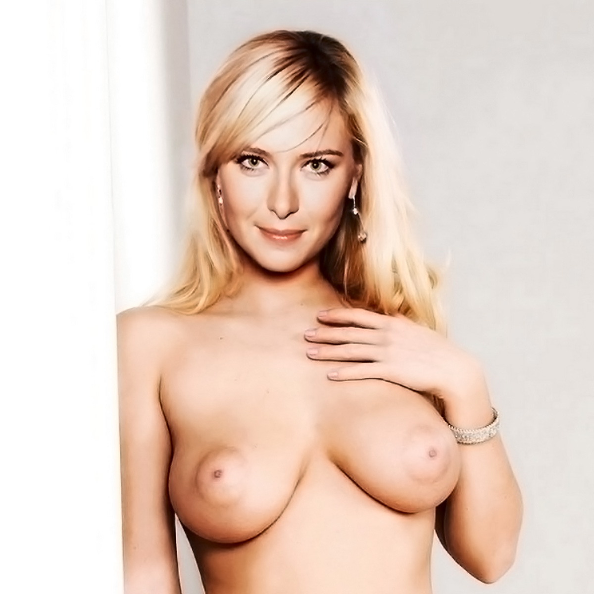 Maria+Sharapova+nude+near+bed Maria Sharapova Nude | Hottest Tennis player 2011