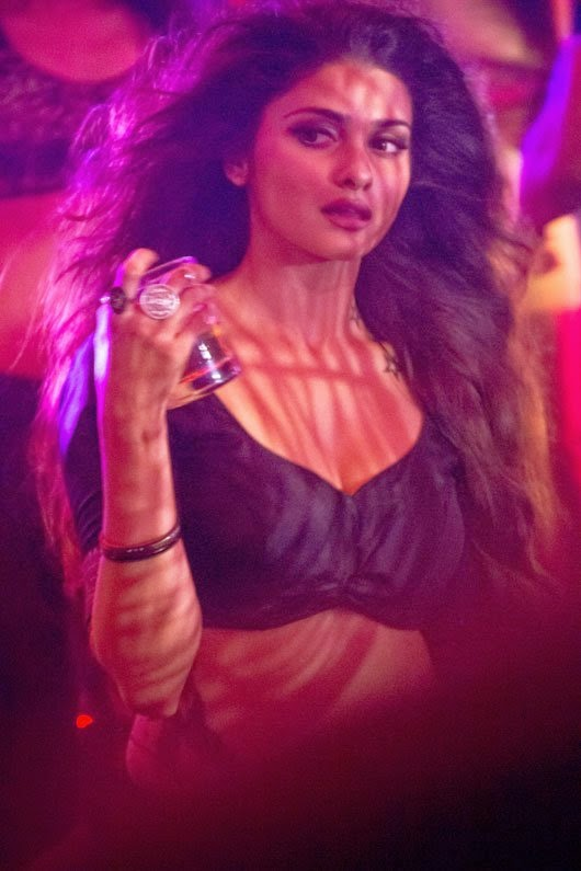 most sexiest hot pics of bollywood actress Prachi Desai's from hot item dance from ek villian song awari unseen rare hot pics hd hot sexy pics