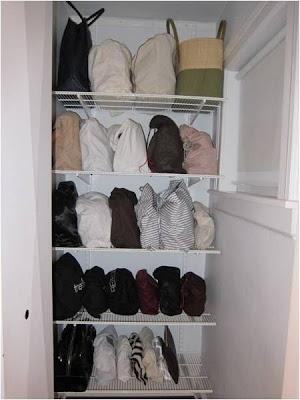 Accesorios joyas bufandas bolsos for Guardar bolsos en armario