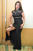 farah khan sizzling photo shoot-thumbnail-3