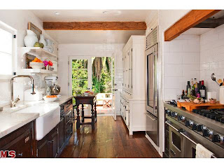 kitch Coolest House on Caravan! 831 Wellesley Ave.   Brentwood
