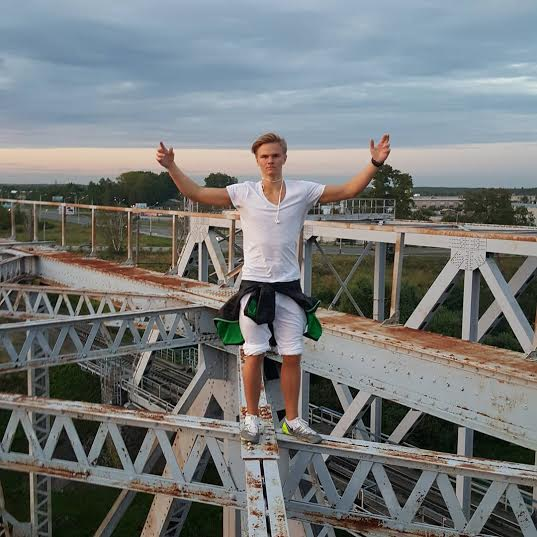 17 year old Russian boy who falls to his death taking the extreme selfie!  2