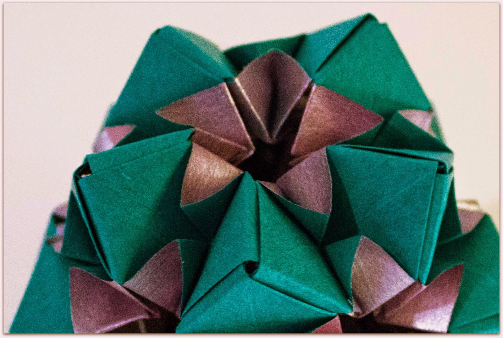 Will fold for paper star flower design by meenakshi mukerji the design can be found in the book exquisite modular origami this was one of the first modular origami books i purchased mightylinksfo