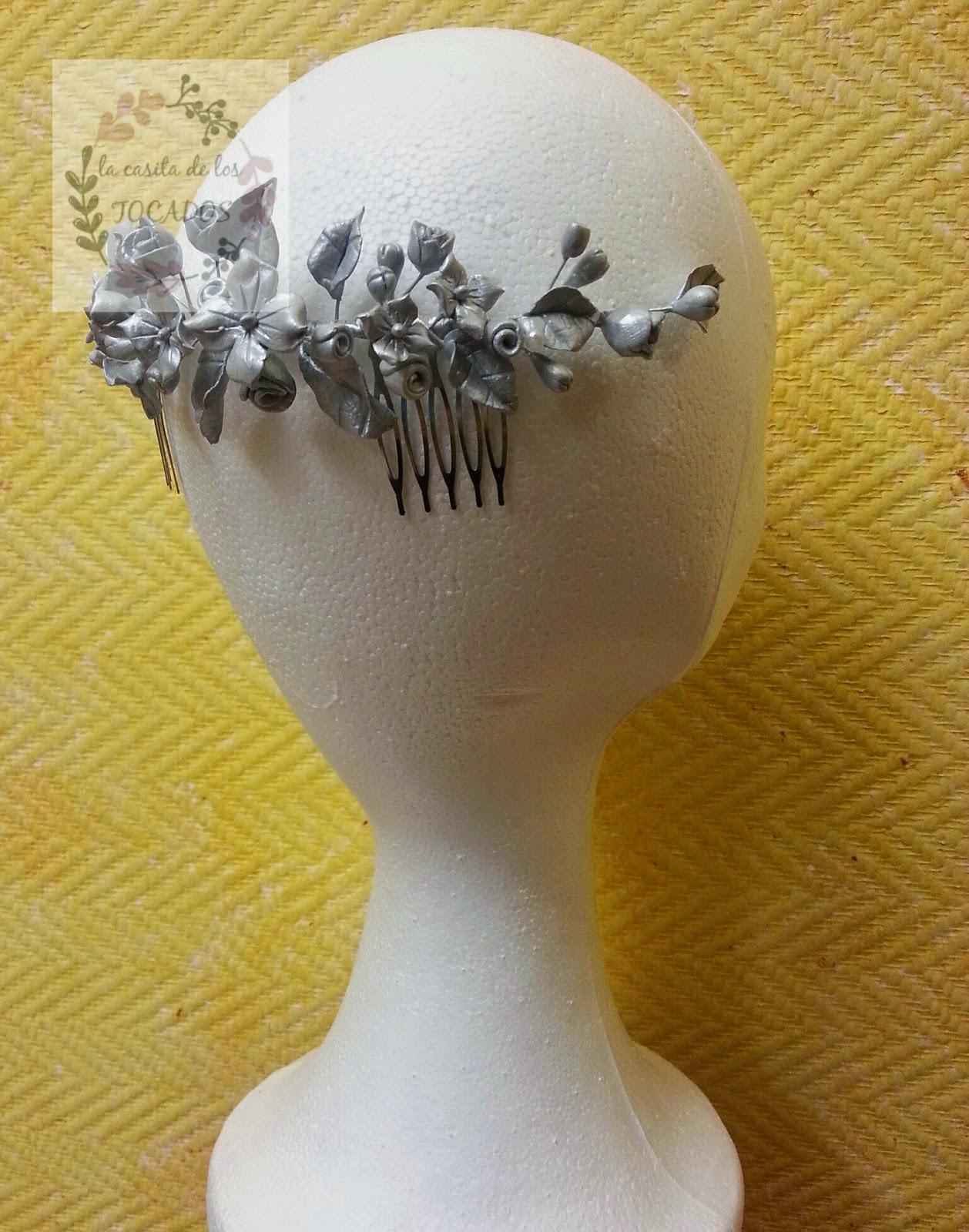 semicorona vintage de novia realizada en porcelana fría en plata